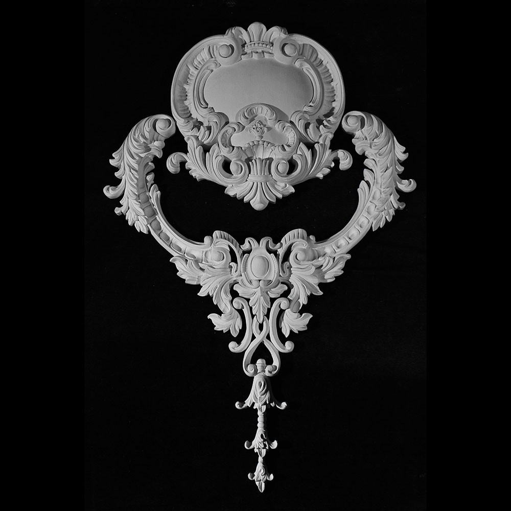 CP-201 Versailles Shield Resin Centerpiece